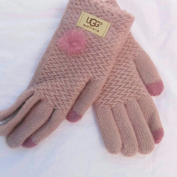 UGG Accessories - UGG, Lavender knitted pompom gloves